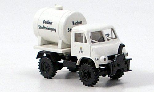 Unimog U402 BSR mit Tank