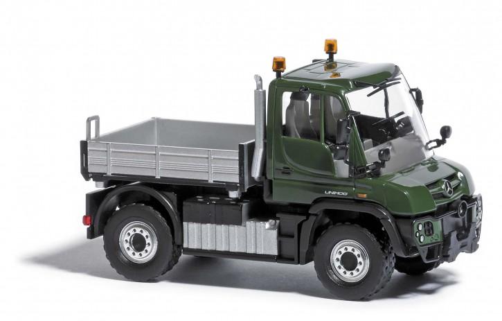 Unimog U430 mit Pritsche grün